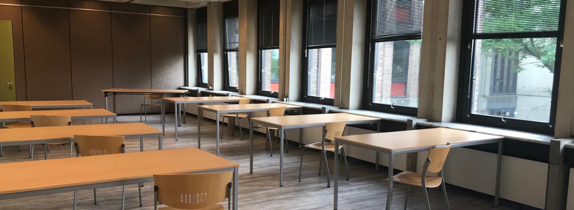 Huur vandaag nog een van de vier leslokalen in Carbon6 voor vergaderingen en andere activiteiten in Carbon6